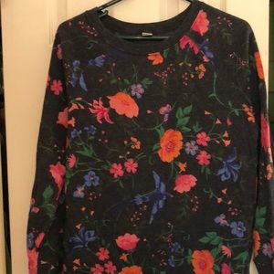 Cutest Old Navy floral sweatshirt like new